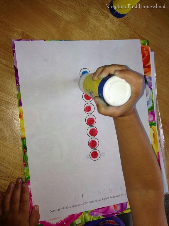 Preschool Do a Dot numbers